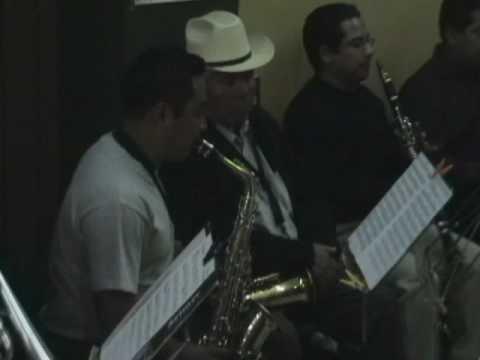 Quinto Patio  alto saxophone solo
