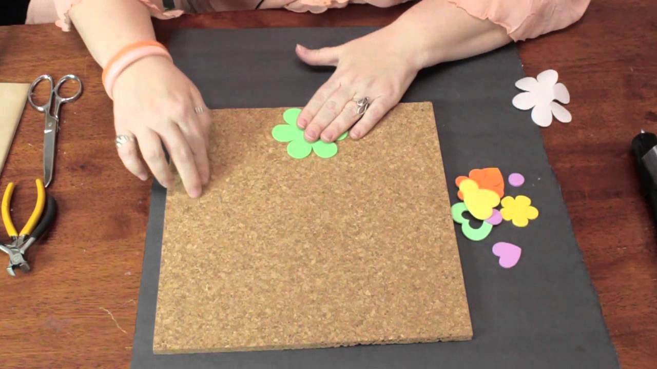 How to Use Cork Board for In-Home Decor : Crafty Decorating Tips ...