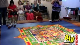 В Волгограде тибетские монахи построили песочный храм(, 2012-05-12T08:20:19.000Z)