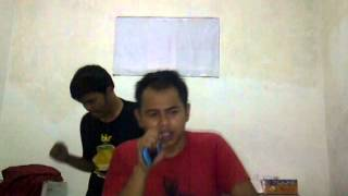 Download Video Santri maksiat di gudang MP3 3GP MP4
