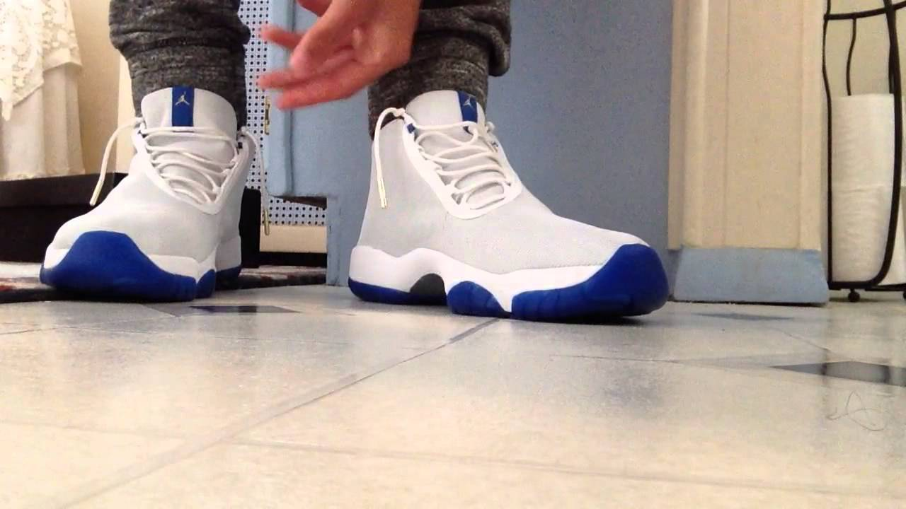 dffa7a7f77c295 Jordan future sport blue on feet with joggers - YouTube