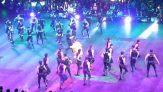 Andy Lau HK Unforgettable Concert 31.12.10 - Dance