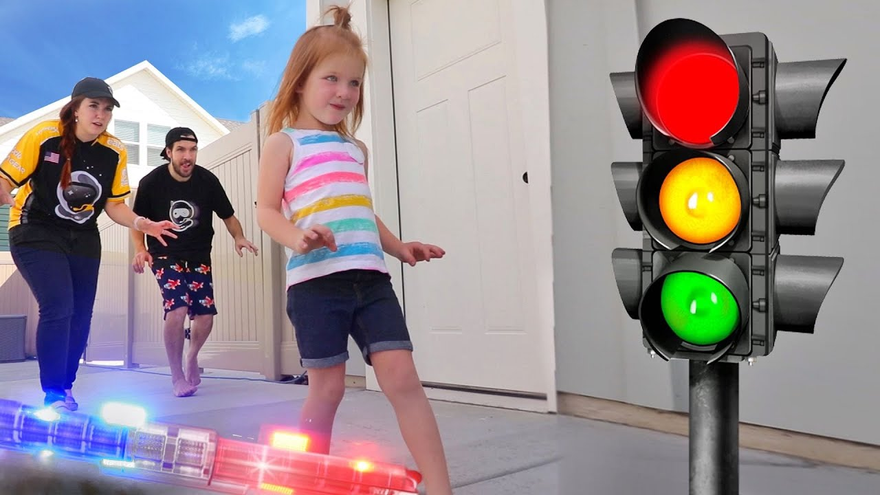 Download DONT GET CAUGHT by Cops!! Adley reviews Red Light Green Light toy with family!