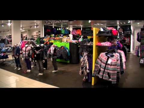 Утеплённые детские комбинезоны molo, шапки-ушанки для детей, сноубутсы для мальчиков и девочек бренда molo. Большой выбор зимней одежды для детей в dinomama. Скидки и акции. Molo, комбинезон polaris ( голубой со скейтами), арт. 5w17n201 4610. 14 000 руб. От 9 800 руб. Код товара 46422.