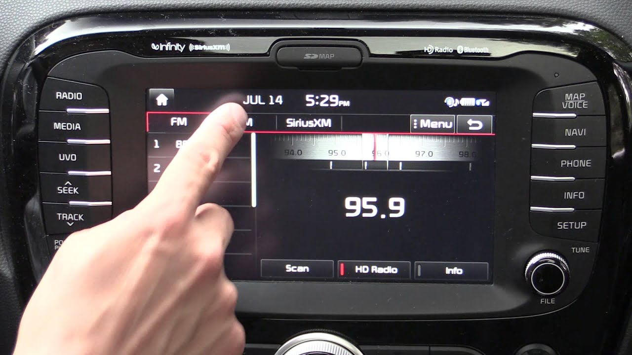 2015 Kia UVO with eServices Infotainment and Navigation Review