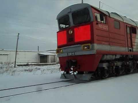 2ТЭ116-417 А с пригородным поездом Устье Аха-Тавда и приветливой бригадой