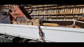 포크레인 브레이카 결박한것~ 3.5톤 카고 화물 실제 …
