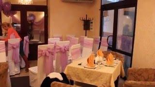Свадьба в кафе 'Караван'(Оформление шарами, ленты на стулья, сердце из шаров с тканью при оформлении небольшого помещения в кафе..., 2016-02-20T15:03:53.000Z)