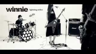 winnie「lightning strikes」