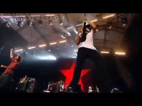 Rage Against The Machine - Killing In The Name (Live in London 2010)