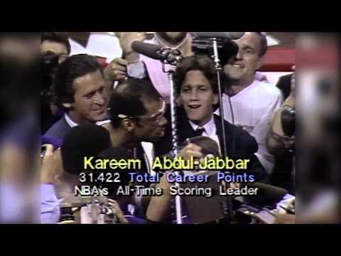 Kareem Abdul-Jabbar Breaks NBA All-Time Scoring Record