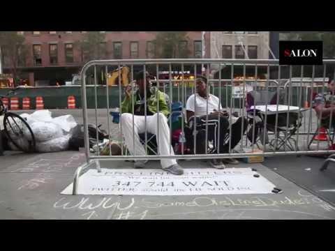 Esperadores profesionales de cola (no solo es un negocio en Venezuela)