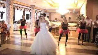 Лучший танец невесты и подружек.wmv