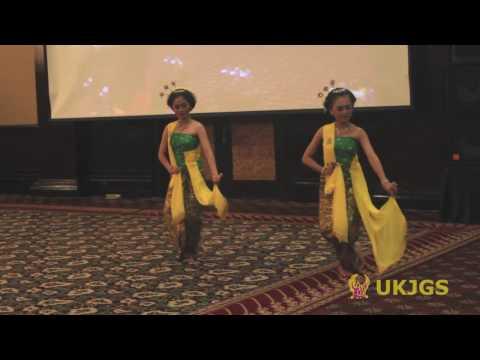 Tari Gambyong Pareanom oleh UKJGS UGM