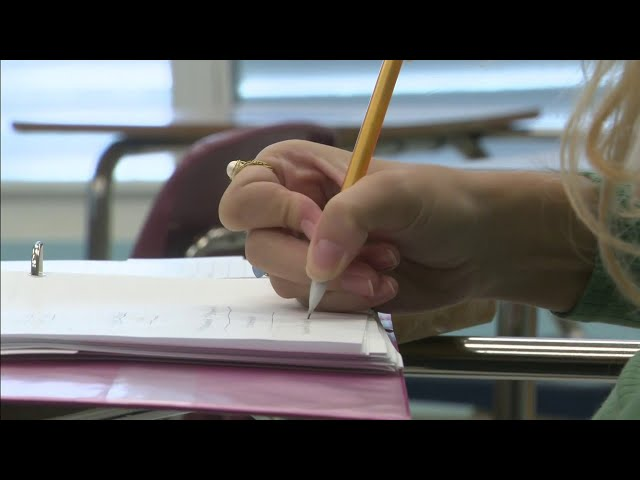 Miami-Dade schools aim to welcome back all students struggling with virtual learning