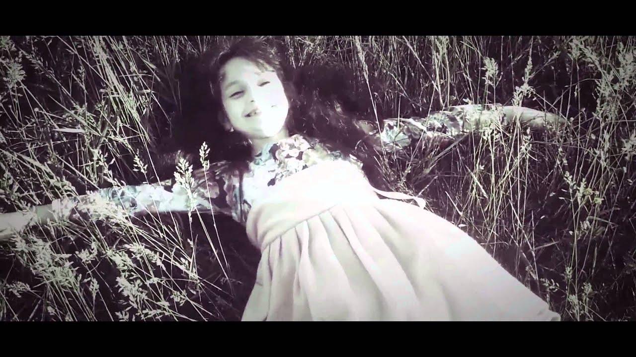Текст песни Дитинство - 7 перевод, слова песни, видео, клип