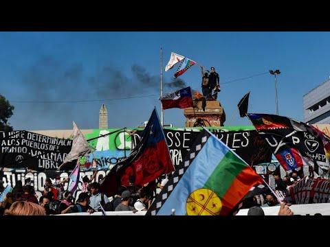 Download Tausende demonstrieren in Santiago de Chile für mehr soziale Gerechtigkeit