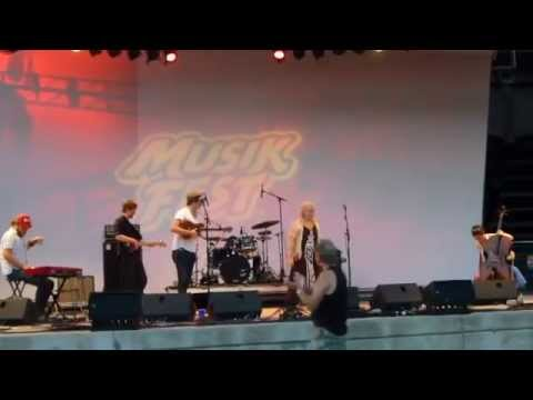 Wild Child live at Musikfest in Bethlehem, PA on August 5, 2014