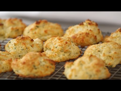 A Super Easy Way to Make Cheddar Biscuits- Kitchen Conundrums with Thomas Joseph