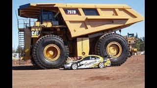 DIE WELT Der 300 Tonnen Laster   Ein Caterpillar wird ausgeliefert;