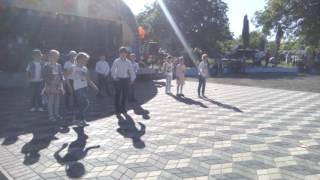 Классный танец под песню Егора Крида-мало так мало