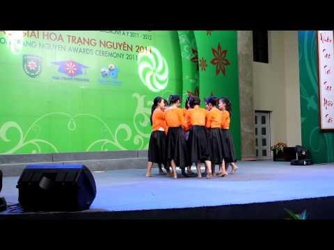 """Hoa Trạng Nguyên 2011- Tiết mục múa """"Cây đa quán dốc""""_ UTC2"""