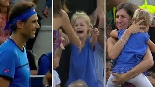 Mom In Crowd Can't Find Her Daughter Then Famous Tennis Player Stops The Match To Find Her