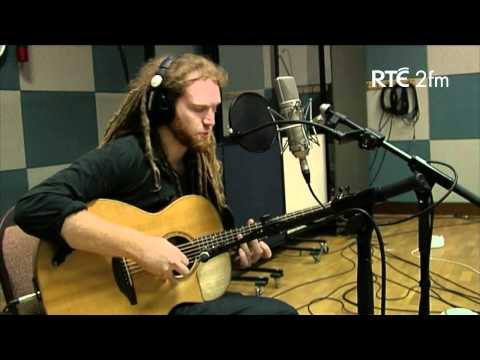 Newton Faulkner Sings 'I Took It Out On You' Live On RTÉ 2fm