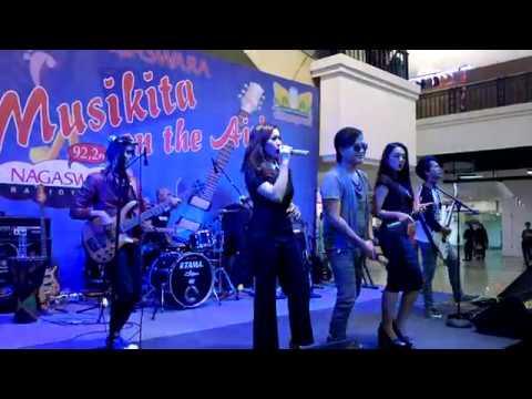 Yuni Rahayu Monica Selvia Jaluz Band Musikita Nagaswara FM Cibinong Mall