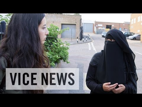 Inside an Islamist Women's Group (Extra Scene from 'The Fight for the Muslim Vote')
