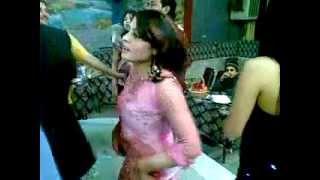 Mast Afghan girl Dance