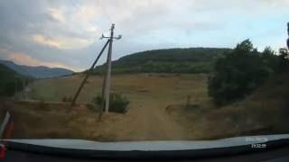 С. Родное АР КРЫМ. Спуск к озеру после дождя.