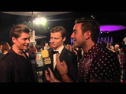 Amadeus Serafini & Connor Weil @ 2015 MTV VIDEO MUSIC AWARDS  | AfterBuzzTV streaming vf