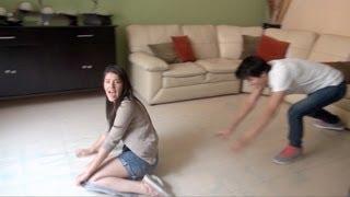 Golpes y caídas patinando en la sala | Los Polinesios Vlog