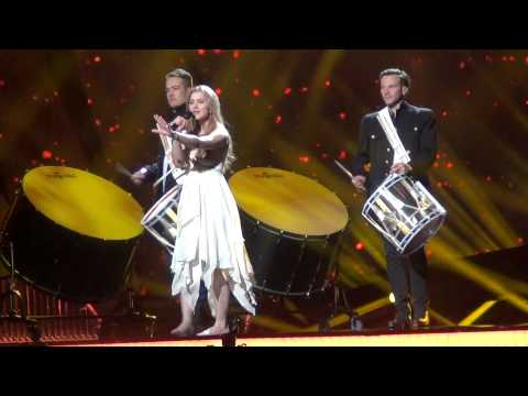 Denmark: Emmelie de Forest - Only teardrops (rehearsal with pyros)