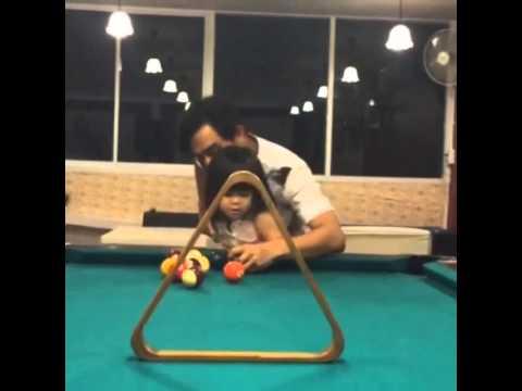 น้องโสน l 3 ขวบ พ่อมอสฝึกน้องโสนยิง pool @mospatiparn