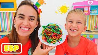 Vlad y mamá quieren los mismos fideos de color