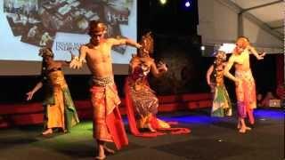 """Bali Dance Art - Pasar Malam Indonesia 2013, Malieveld Den Haag, 21 maart - """"Saraswati"""" dans"""