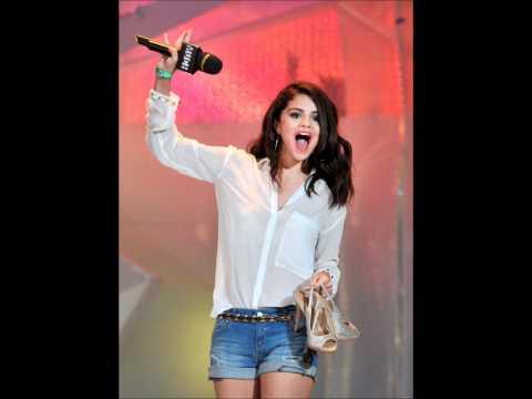 Selena Gomez: Much Music Video Awards (June 17)