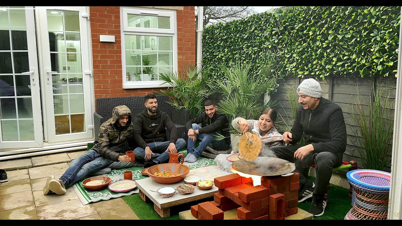 Download COOKING ALOO PARATHA'S VILLAGE STYLE ON DESI CHULLAH IN UK