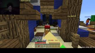 Playing Minecraft Pe BedWars at 3AM!!!