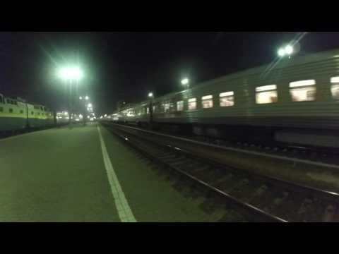 Быстрое прибытие ЧС7 с поездом№715В Москва-Белгород на станцию Курск 29.08.2016