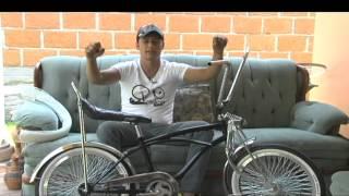 Bicicletas artesanales adornan las calles