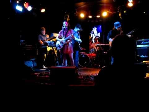 Loquat - Swingset Chain (Viper Room June.17.2009)