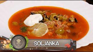 Soljanka (соля́нка) - Vynikající recept na hustou polévku z okurek masa a uzenin!