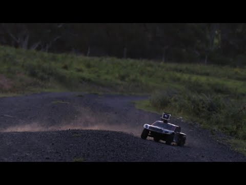 Driving The BLX In The Kangaroo Valley And Comparing Camera Quality