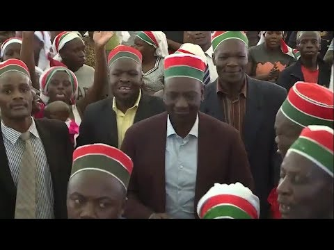 DP William Ruto plays drum, dances with great vigour during prayer session for Mariga in Kibra