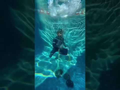 Trapping Smoke Underwater for 24 Hours!👀 #shorts
