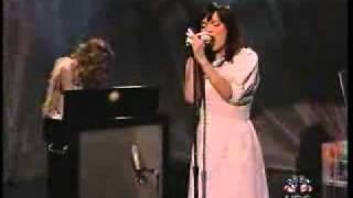 Björk - Cocoon - Live Performance -  Subtítulos Español - J L T S - 19 / 10 / 2001