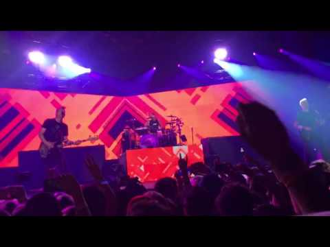 blink-182 - What's My Age Again? (live at Don Haskins Center)